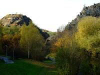 Přírodní rezervace Divoká Šárka, soutěaka Džbán, Dívčí skála - to jsou místa obestřeny tajemstvím i pověstmi. Zdroj foto: http://cs.wikipedia.org/
