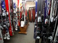 Proč si lyže kupovat, když si je můžete vypůjčit? Foto: www.pujcovnalyzi.cz