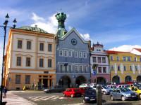 Vyhlídková věž Kalich láká na pohled na budovu radnice, která pochází z druhé poloviny 16. století. Foto: www.litomerice-info.cz