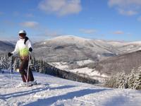 Nezapomeňte s sebou na hory přibalit i běžky. Letos jsou na ně ideální podmínky. Foto: www.kouty.cz
