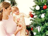 Zdobení vánočního stromečku je jednou z hlavních tradic, kteráse dnes dodržuje. Foto: www.fleishman.cz