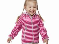 V oblečení značky Reima budou vaše malé slečny i při hrách venku stále princeznami. Foto: www.skibi.cz