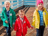 Oblíbeny je v oblékání  retro styl i pro děti. Foto: www.skibi.cz