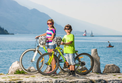 Výlety na kole kolem Lago de Garda s přehledem zvládnou i nejmenší Foto: Ronny Kiaulehn