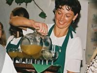 Bez burčáku si není možné představit žádné vinobraní. Foto: Archiv města Hustopeče/www.vinazmoravy.cz