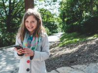 Nová geolokační hra Skryté příběhy chytře propojuje svět mobilních technologií s historií a pobytem v přírodě. Foto: www.jiristarha.cz