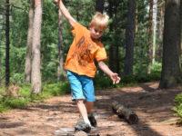 V přírodě se dají naučit všechny základy jednoduchých pohybových stereotypů. Foto: www.juklik.cz