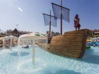 Dovolená s dětmi se bez aquaparku prostě neobejde. Foto: www.ckneckermann.cz