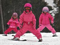 Při výběru lyžařské výbavy nic nepodceňte. Jde o bezpečí vašich dětí! Foto: www.skibi.cz