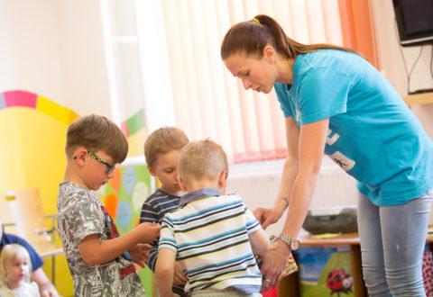 Při výběru je důležitá je metoda, učitel i velikost skupiny. Foto: www.helendoron.cz