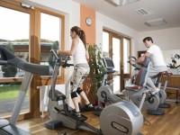 Pravidelné cvičení zmírňuje také stres. Foto: www.larimarhotel.at