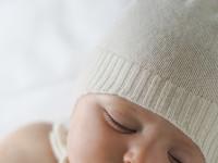 8 tipů do zimního miminkovského šatníku