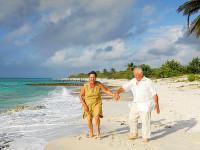Dotované zájezdy pro seniory jsou hitem tohoto roku. Foto: www.dreamtime.com