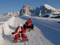 Nejen děti se vyžívají v zimních radovánkách. Foto: www.suedtirol.info