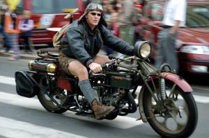 Sraz motocyklů, Malý dobrodruh