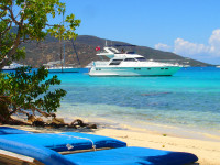Kdo nikdy neplul Karibikem na jachtě, jako by nebyl.... FOTO: BVItourism.cz