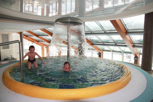 Horal, Valachy, resort, Razula, lyžování, moře, bazén, Ski areál Razula, Lyžuj a plav, termální bazén