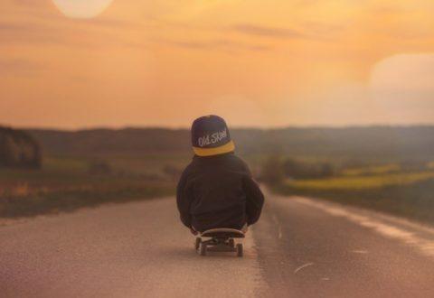 Dítě a jízda na skateboardu: Na co si dát pozor?