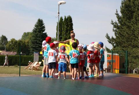 Projekt Děti na startu zaštiťuje Ministerstvo školství, mládeže a tělovýchovy a jeho cílem je dodat dětem od 4 do 9 let radost z pohybu bez stresu z výkonů. Foto: www.ceskosehybe.cz