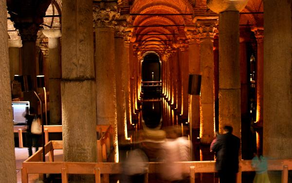 Jerebatská cisterna je jedním z nejtajemnějších chrámů v Istanbulu
