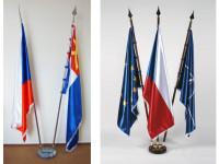 Naše státní vlajka je obesřena spoustou kuriozních příběhů.