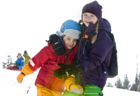 Venku se děti vždycky zabaví rychleji než v uzavřené místnosti. Foto: www.juklik.cz