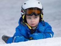 Při dovádění na sněhu nepronikne vlhkost k tělu. Foto: www.juklik.cz