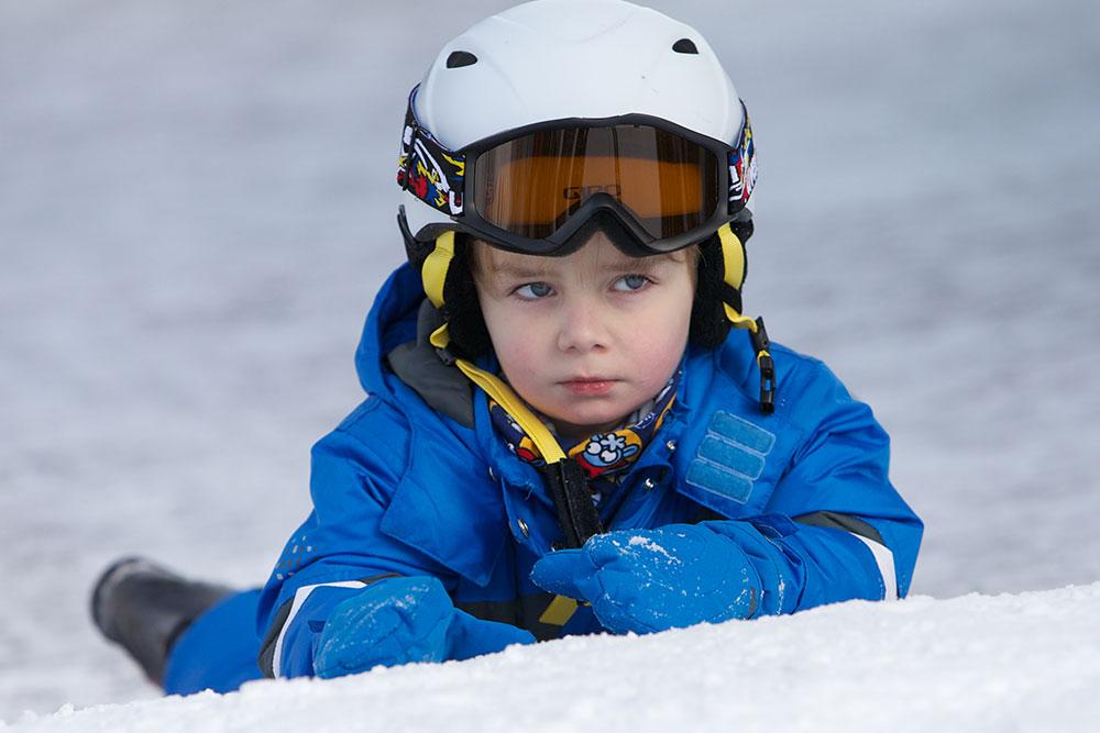 Juklík - dítě na sněhu