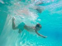 Důležité pravidlo je nikdy neskákat do neznámé vody. Foto: www.juklik.cz