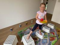I doma můžete děti zabavit hravým cvičením. Foto: www.monkeysgym.cz