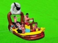 Hrací centrum Pirátská loď zabaví celou rodinu – nechybí skluzavka řada aktivit. Foto: Bazenyshop.cz