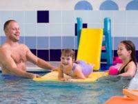 Plavání děti otužuje a prospívá jejich imunitě. Foto: www.juklik.cz