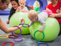 Zádové a šíjové svalstvo je velmi důležité pro správné držení těla a pohybový rozvoj dětí. Foto: www.monkeysgym.cz