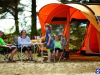 Hit letošního léta: dovolená v plně vybaveném luxusním rodinném stanu