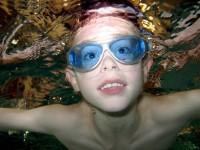 Jak se děti tváří pod vodou? Foto: www.juklik.cz