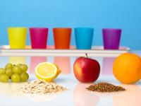 Pro tělo jsou důležité bílkoviny, sacharidy, tuky, vláknina, vitamíny, minerály, fytoživiny i enzymy. Foto: www.fotoguru.cz