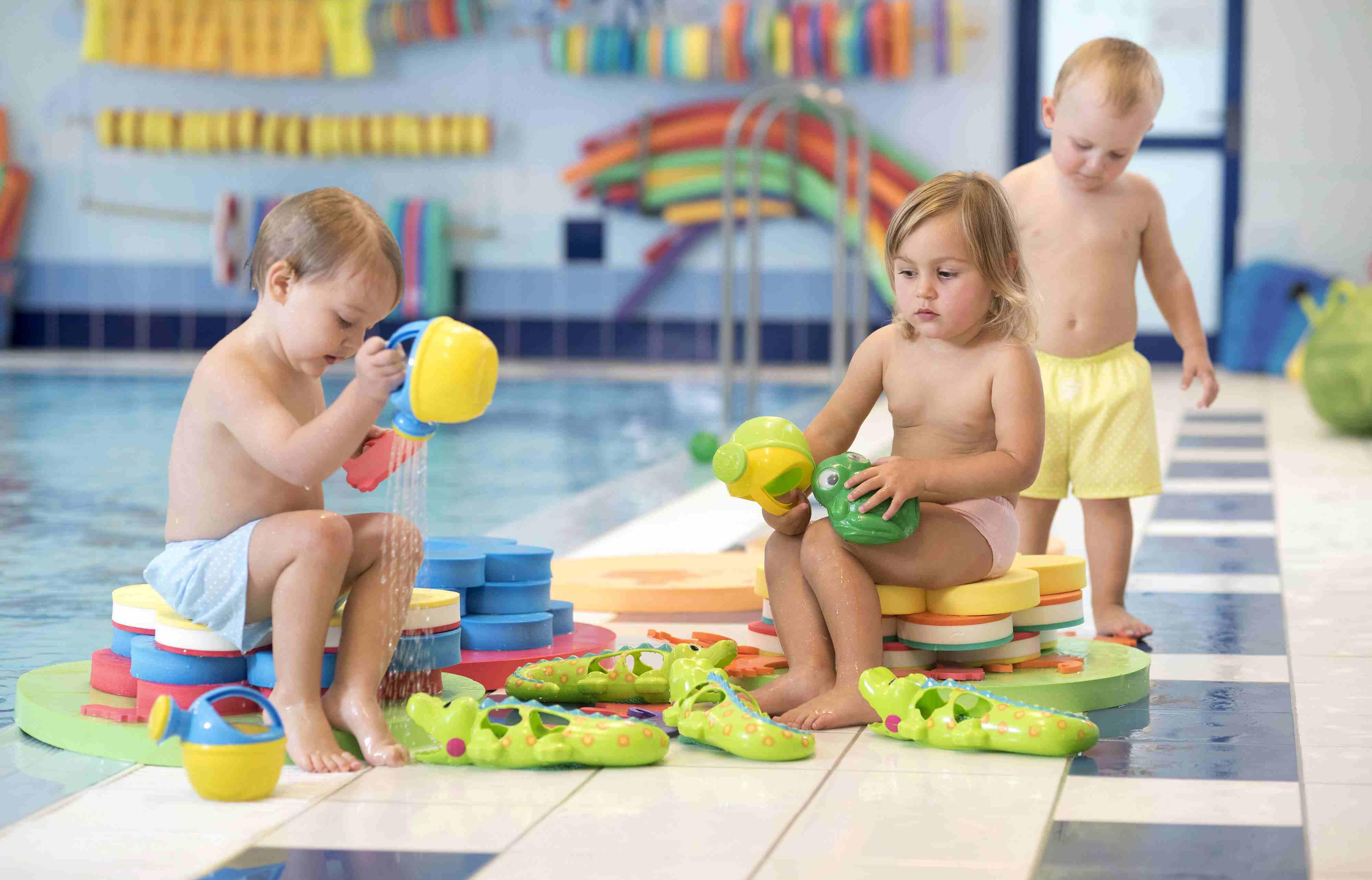 Narozeniny v bazénu, Malý dobrodruh