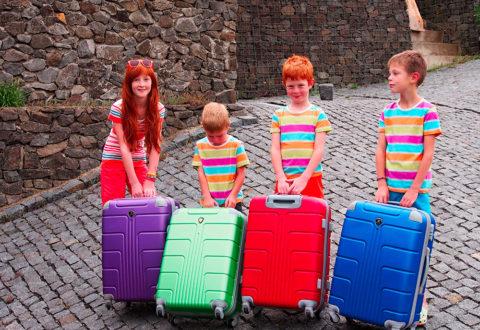 Děti mají rádi vlastní zavazadla. Foto: www.juklik.cz