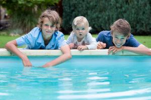 Juklík děti u vody