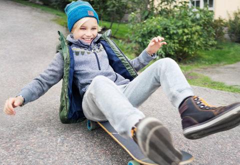 Na dětském oblečení hrají prim chytré materiály. Foto: www.skibi.cz