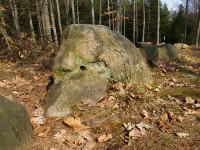 Kounovské kamenné řady dodnes lákají všechny malé i velké dobrodruhy. Foto: www.obec-kounov.cz